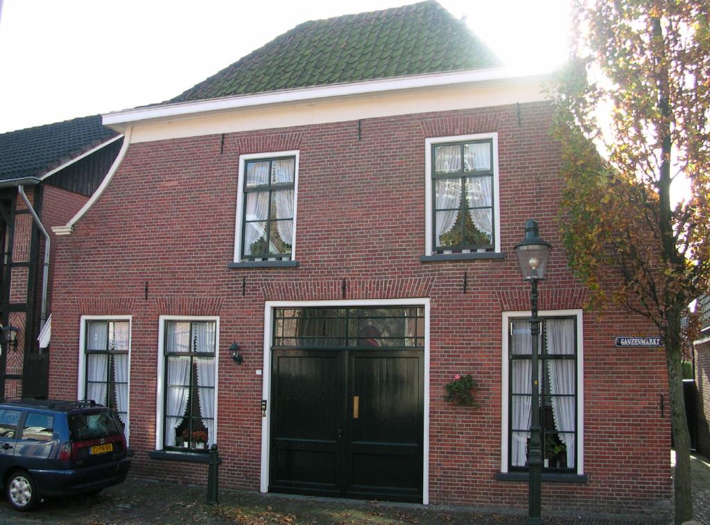 Een huis aan de Bergstraat. Voorzijde Ganzenmarkt